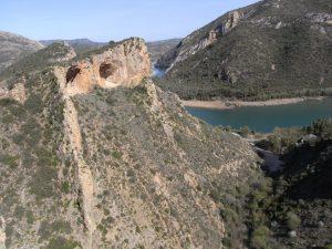 Visió frontal de la cresta i Cova Disblia