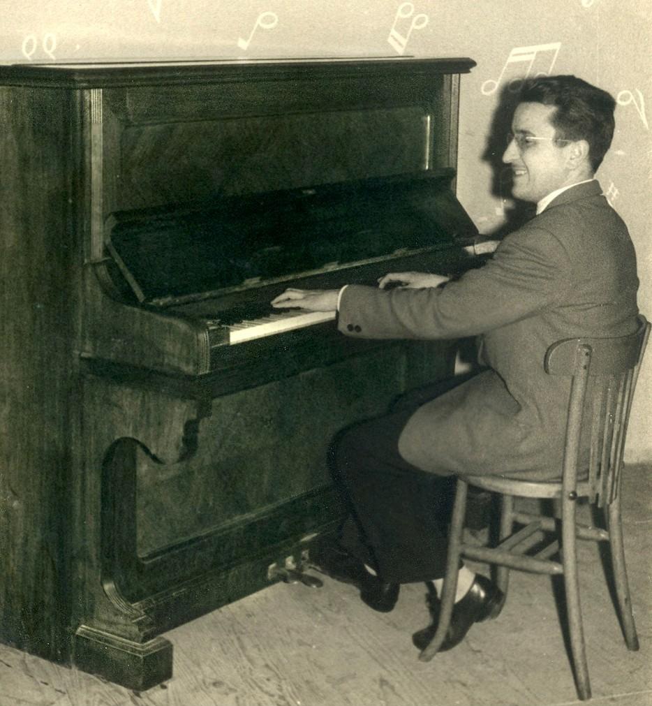 Tocant el piano entre escalada i escalada (1956)