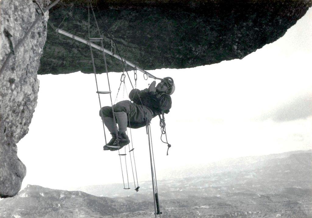 Obrint el sostre de la Cadireta (1960)
